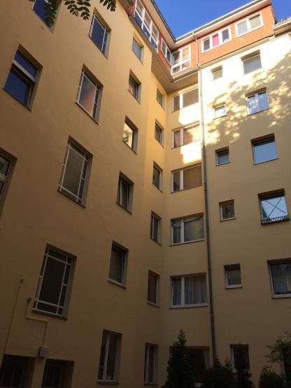 tolle terrassenwohnung sucht wohnung in berlin neuk lln. Black Bedroom Furniture Sets. Home Design Ideas