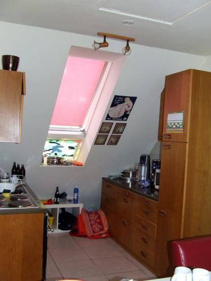 ruhiges 1 zimmer apartment mansarde ab dezember 1 zi. Black Bedroom Furniture Sets. Home Design Ideas