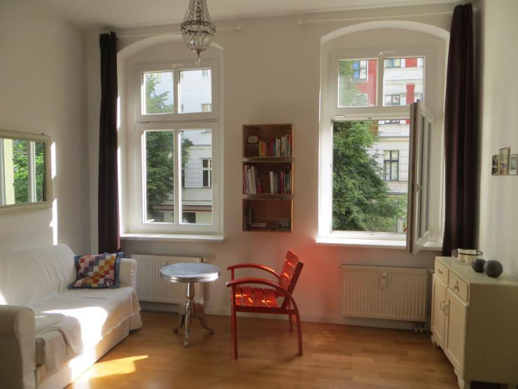 sch nes nest im helmholtzkiez zu vermieten 1 zimmer wohnung in berlin prenzlauer berg. Black Bedroom Furniture Sets. Home Design Ideas