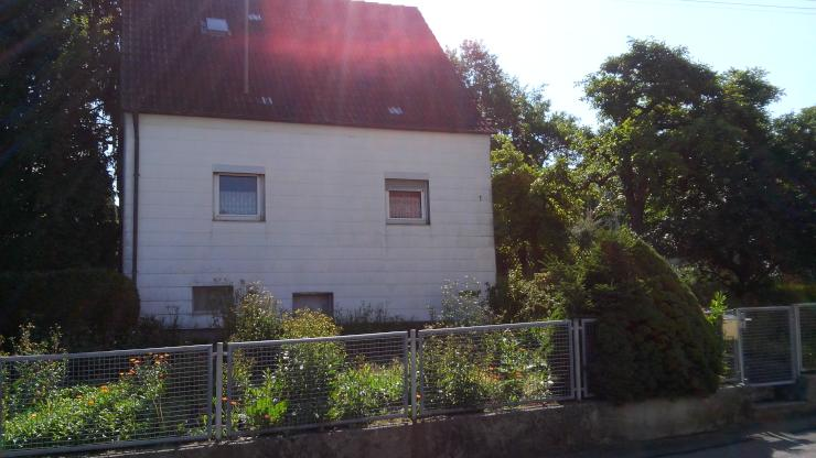 Zimmer in WG Haus Nähe Klinik zum Bahnhof 10 Minuten mit