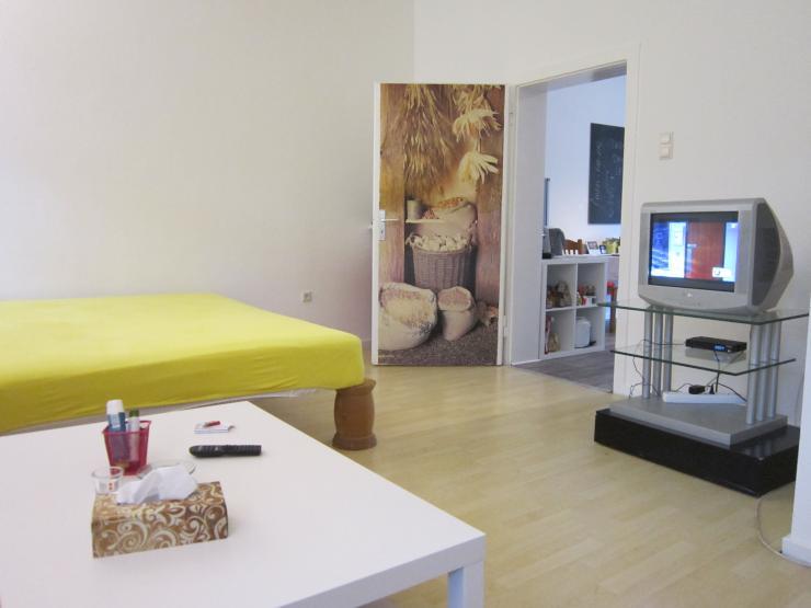 super eingerichtete wohnung mit riesigem wohn schlafraum 1 zimmer wohnung in duisburg dellviertel. Black Bedroom Furniture Sets. Home Design Ideas