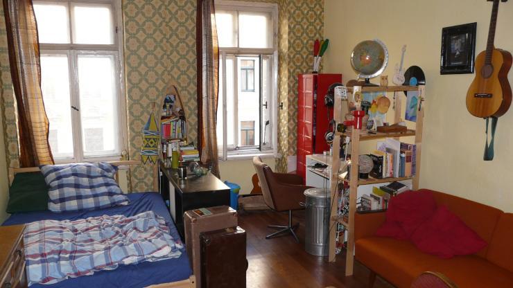 aus gr nden noch zu haben berrascht uns mit menschlicher inbrunst wohngemeinschaft in. Black Bedroom Furniture Sets. Home Design Ideas