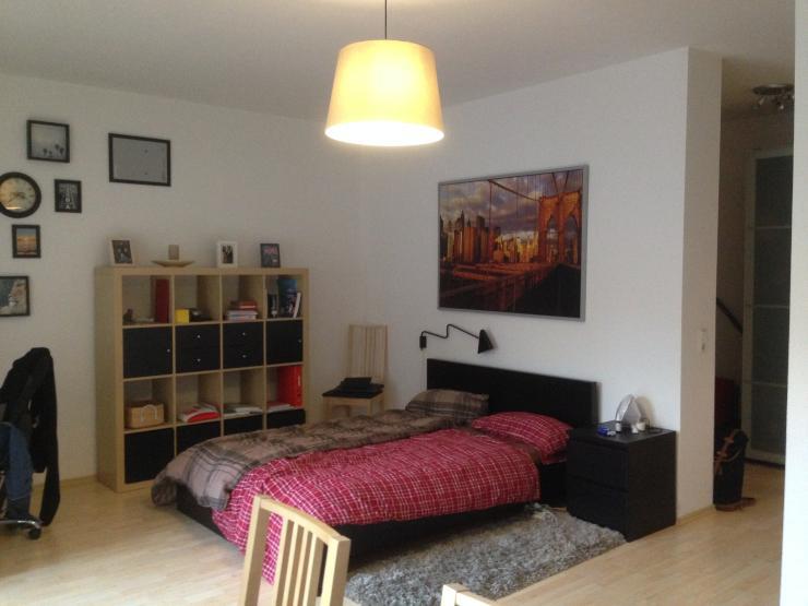 sch ne 1 zimmer wohnung mit ruhiger innenhof lage m bliert 1 zimmer wohnung in erfurt. Black Bedroom Furniture Sets. Home Design Ideas