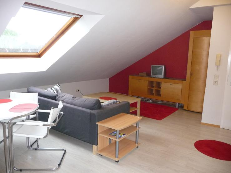 m bliertes helles dachgescho appartment city elberfeld 1 zimmer wohnung in wuppertal city. Black Bedroom Furniture Sets. Home Design Ideas