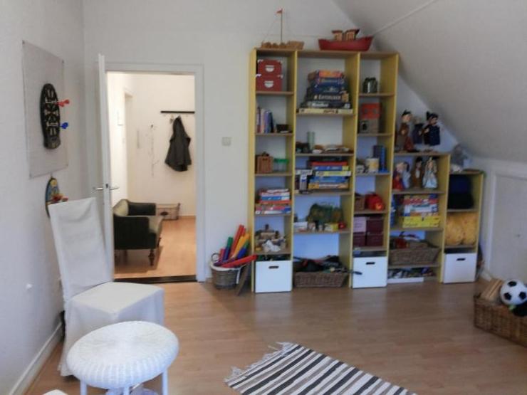 1 zimmer dachgeschoss wohnung 1 zimmer wohnung in bremen schwachhausen. Black Bedroom Furniture Sets. Home Design Ideas