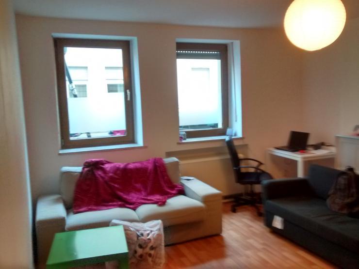 zentral gelegene wohnung im erdgeschoss ohne m bel wohnung in k ln ehrenfeld. Black Bedroom Furniture Sets. Home Design Ideas