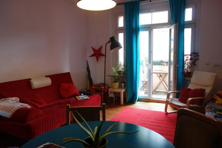 beautiful flat 2 bedrooms livingroom balcony great location wohnung in berlin treptow. Black Bedroom Furniture Sets. Home Design Ideas