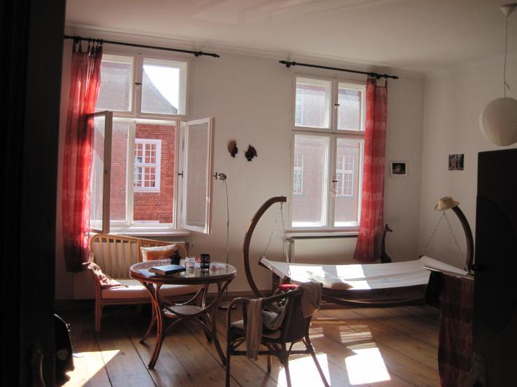 wundersch ne wohnung im holl nderviertel zu vermieten wohnung in potsdam innenstadt. Black Bedroom Furniture Sets. Home Design Ideas