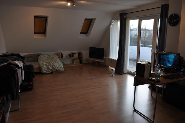 super sch ne helle einzimmerwohnung in friedberg 1 zimmer wohnung in friedberg hessen. Black Bedroom Furniture Sets. Home Design Ideas