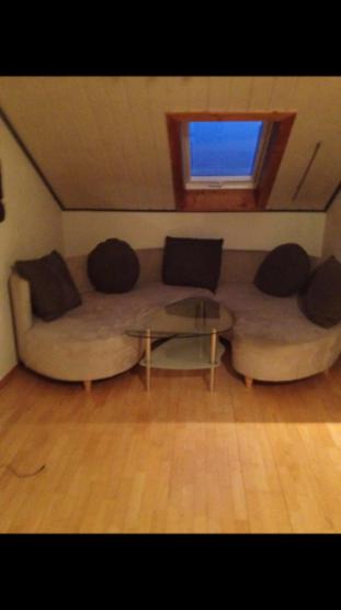 freundliche und helle 2 zimmer wohnung zur zwischenmiete. Black Bedroom Furniture Sets. Home Design Ideas