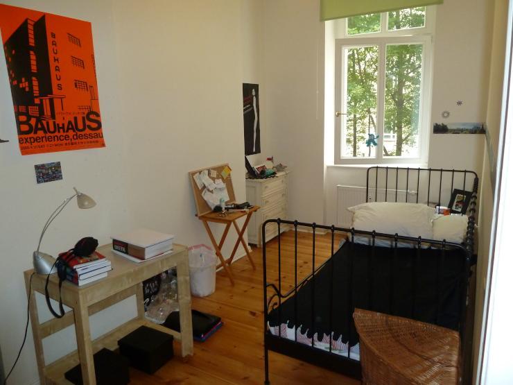 sch ne wohnung im prenzlauer berg sucht wg zimmer berlin m bliert berlin prenzlauer berg. Black Bedroom Furniture Sets. Home Design Ideas