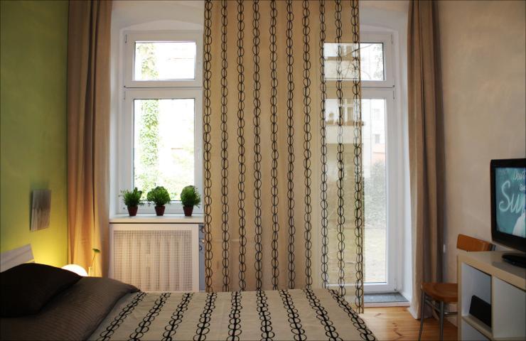 ruhige wohnung mit garten nah der u bahn in wilmersdorf. Black Bedroom Furniture Sets. Home Design Ideas