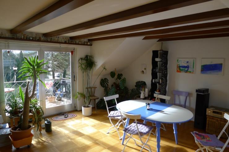 gem tliche wohnung mit balkon besonders geeignet f r wg wohnung in kempten allg u g hlenbach. Black Bedroom Furniture Sets. Home Design Ideas