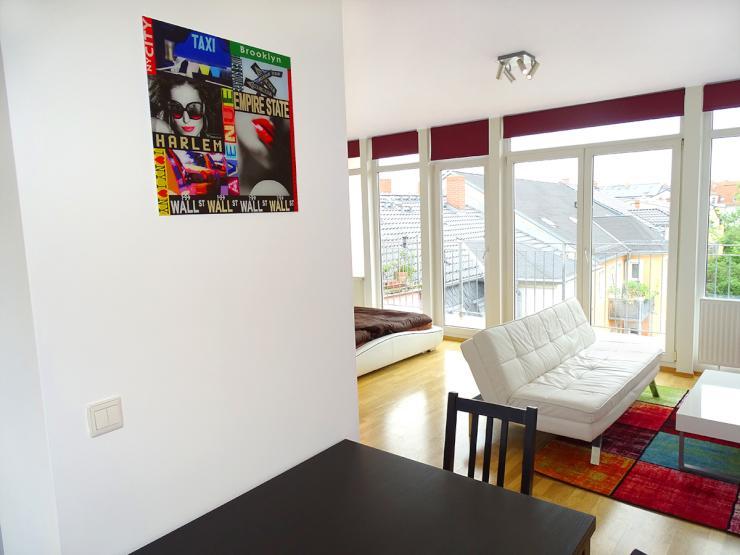 design dachgeschosswohnung mit terasse inmitten der neustadt wohnung in dresden neustadt. Black Bedroom Furniture Sets. Home Design Ideas