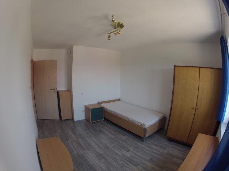 m biliertes 14qm zimmer in netter 3er wg mit ruhiger lage wg zimmer in biberach an der ri. Black Bedroom Furniture Sets. Home Design Ideas