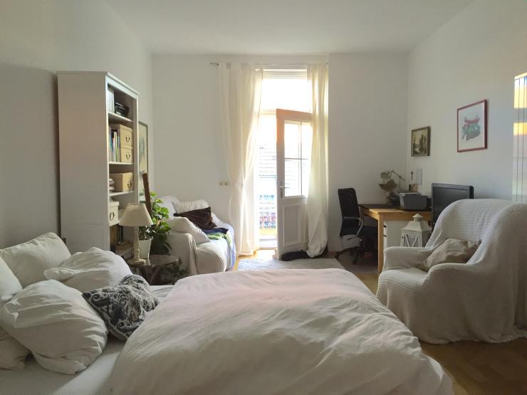 zimmer zur 1 monatigen zwischenmiete in bestlage im lehel m bliertes wg zimmer m nchen. Black Bedroom Furniture Sets. Home Design Ideas