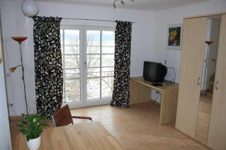 m bliertes apartment in ruhiger lage 1 zimmer wohnung in rosenheim rott am inn. Black Bedroom Furniture Sets. Home Design Ideas