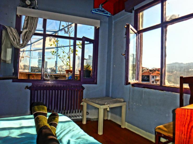 raum ideal f r studenten k nstler 2 terassen penthouse. Black Bedroom Furniture Sets. Home Design Ideas