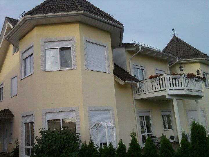 kleiner wohnkomplex mit deutschen mietern wohnung in moskau valuevo. Black Bedroom Furniture Sets. Home Design Ideas