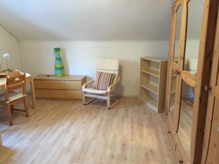 auch zwischenmiete sch nes zimmer in m dels wg. Black Bedroom Furniture Sets. Home Design Ideas