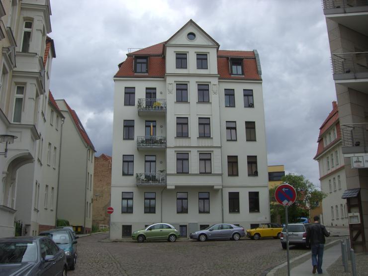kleine 2 raumwohnung in unin he wohnung in halle saale innenstadt. Black Bedroom Furniture Sets. Home Design Ideas