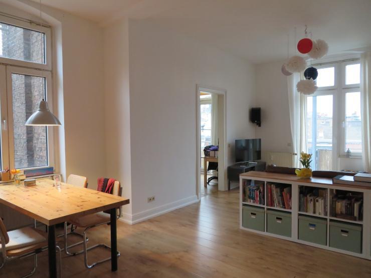 gro z gige und ruhige 2 zi altbauwohnung in ehrenfeld. Black Bedroom Furniture Sets. Home Design Ideas