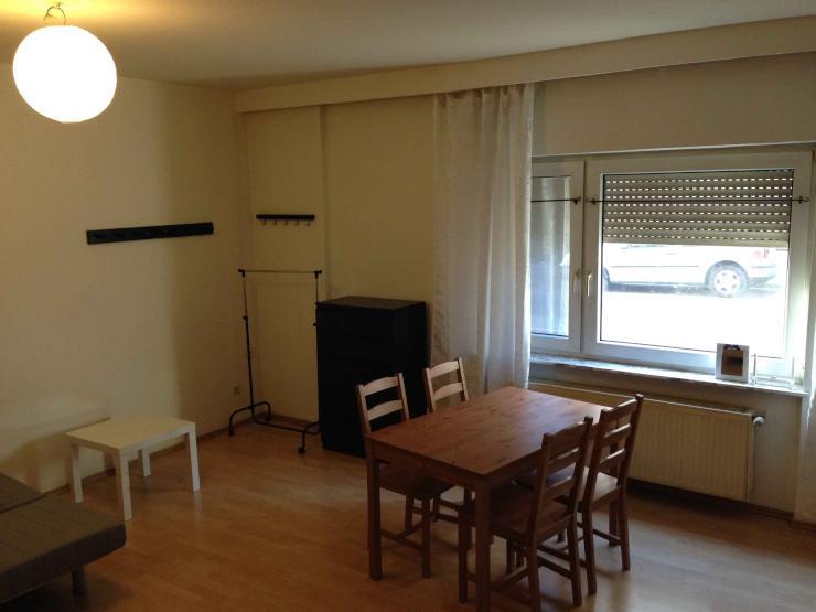 teil m bliertes zimmer in 2er wg nahe westbahnhof wohngemeinschaften frankfurt am main. Black Bedroom Furniture Sets. Home Design Ideas