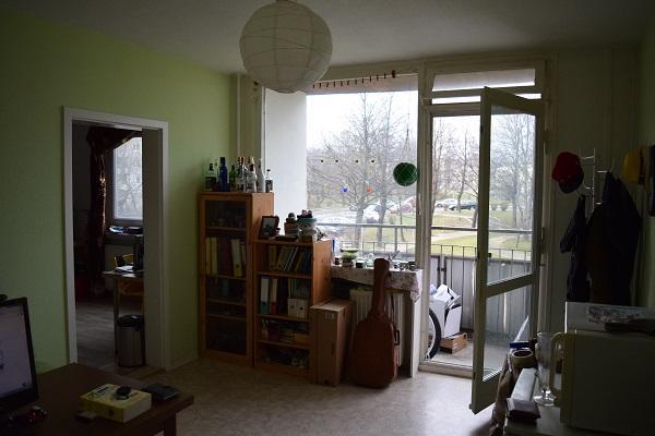 nachmieter f r sch ne 2 zimmer wohnung mit ausblick und balkon wohnung in dresden zschertnitz. Black Bedroom Furniture Sets. Home Design Ideas