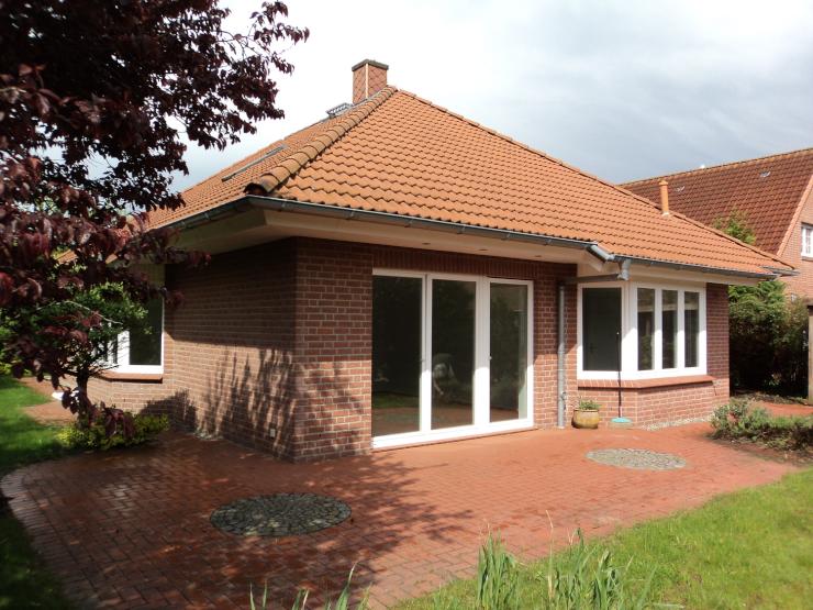 attraktiver eleganter komfortabler walmdachbungalow in l neburg haus in l neburg l neburg. Black Bedroom Furniture Sets. Home Design Ideas