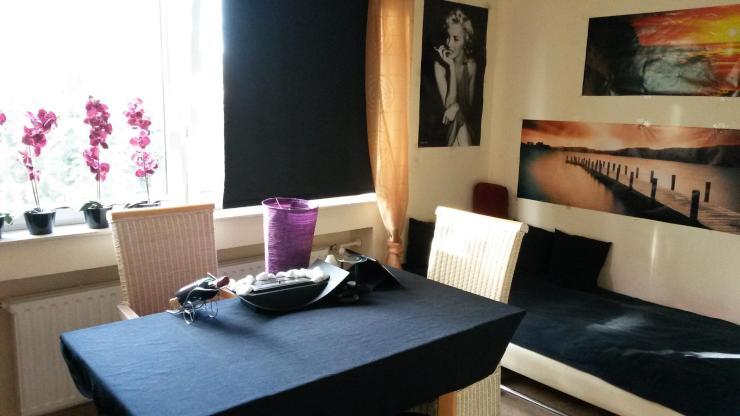 1 zimmer wohnung in r delheim ruhige lage hinterhof 1. Black Bedroom Furniture Sets. Home Design Ideas