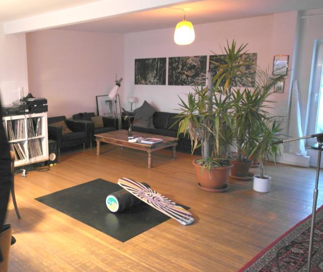 sch ne penthouse wg mitten in der innenstadt mit kamin. Black Bedroom Furniture Sets. Home Design Ideas