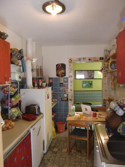 bunte 6er wg sucht wg zimmer in freiburg im breisgau innenstadt. Black Bedroom Furniture Sets. Home Design Ideas