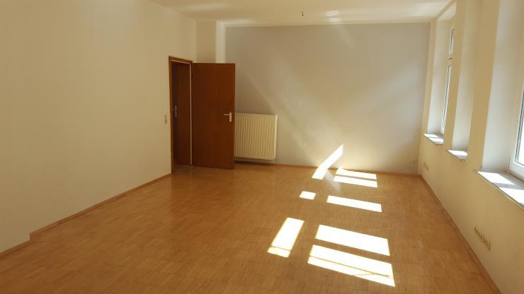 sch ne 45qm studiowohnung im herzen der neustadt 1 zimmer wohnung in dresden neustadt. Black Bedroom Furniture Sets. Home Design Ideas