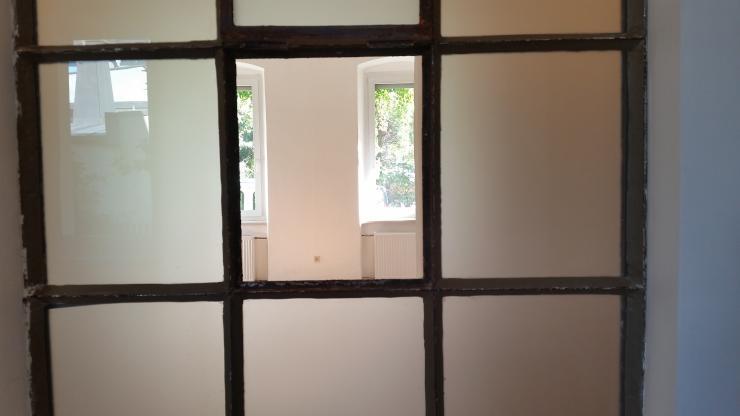 stilvolle und gem tliche altbau 2 zi wohnung 63 qm eg korenovi wohnung in hof g rtla. Black Bedroom Furniture Sets. Home Design Ideas