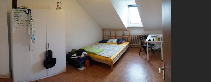 4 zimmer wohnung mit seltenem mitbewohner sucht. Black Bedroom Furniture Sets. Home Design Ideas
