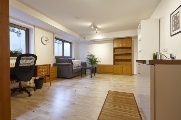 2 m blierte zimmer f r wochenendheimfahrer 34 qm g ggingen 1 zimmer wohnung in augsburg. Black Bedroom Furniture Sets. Home Design Ideas
