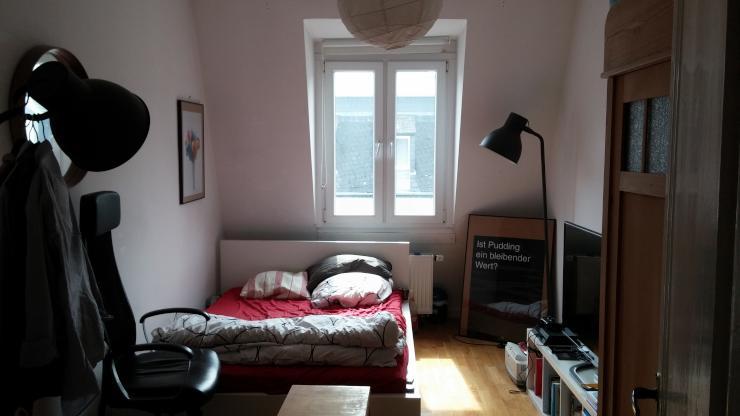 wg zimmer unm bliert 12 qm 3er wg mit garten einzug zum wohngemeinschaften frankfurt. Black Bedroom Furniture Sets. Home Design Ideas