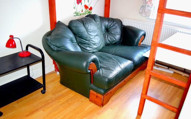 gemuedliches doppel zimmer blau in einem netten 4 wg wg zimmer in london upton park. Black Bedroom Furniture Sets. Home Design Ideas