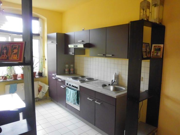 1 zimmer wohnung mit k che kann vom vormieter abgekauft werden 1 zimmer wohnung in erfurt. Black Bedroom Furniture Sets. Home Design Ideas