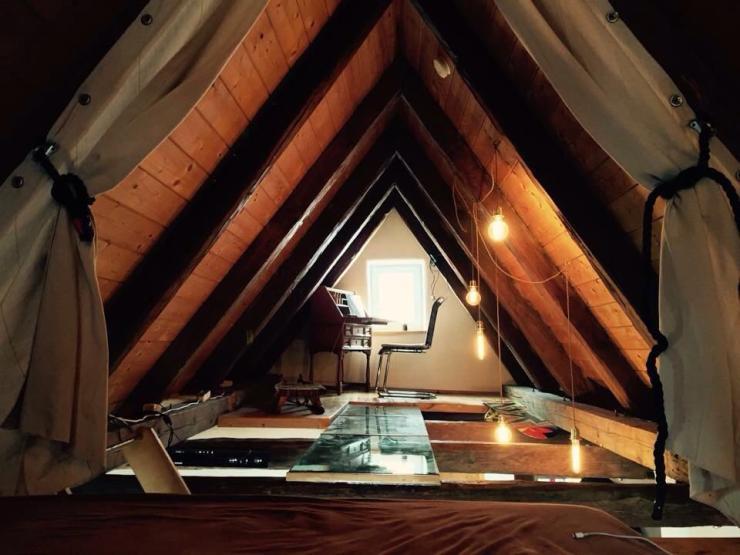 charmante altstadtwohnung m bliert f r 3 monate zu vermieten 1 zimmer wohnung in landsberg am lech. Black Bedroom Furniture Sets. Home Design Ideas