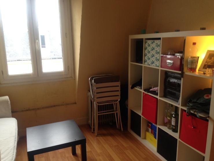 sch ne einzimmerwohnung im herzen von paris 1 zimmer wohnung in paris 18. Black Bedroom Furniture Sets. Home Design Ideas