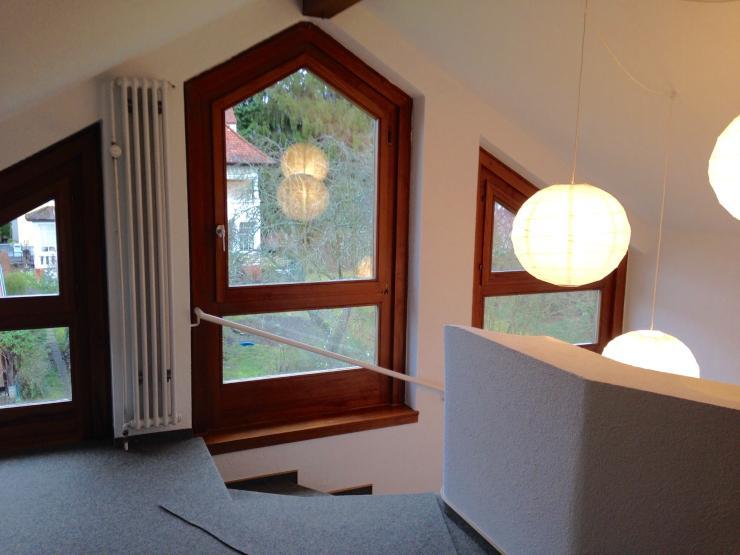 1 zimmer wird frei in sehr h bscher dachstudiowohnung wg. Black Bedroom Furniture Sets. Home Design Ideas