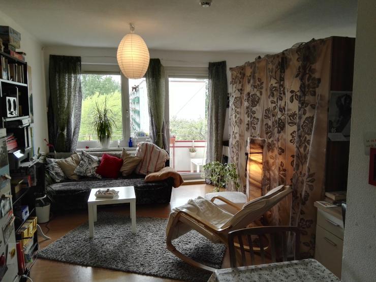 super g nstige wohnung mit balkon ebk 1 zimmer wohnung in erfurt johannesplatz. Black Bedroom Furniture Sets. Home Design Ideas