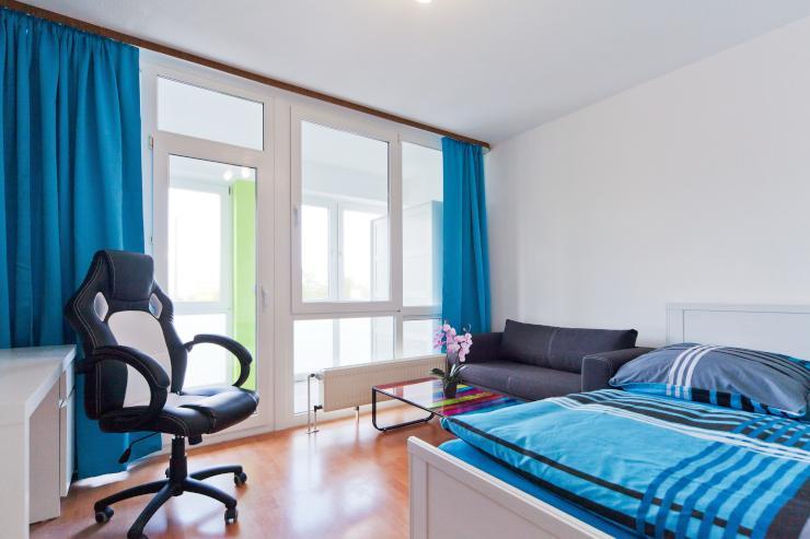 apartment privatzimmer wohnen auf zeit m bliert wg zimmer in bielefeld innenstadt. Black Bedroom Furniture Sets. Home Design Ideas