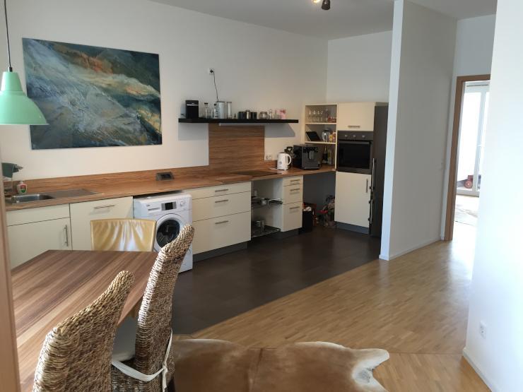 sch ne m blierte 3 5 zimmer wohnung in ruhiger zentraler. Black Bedroom Furniture Sets. Home Design Ideas