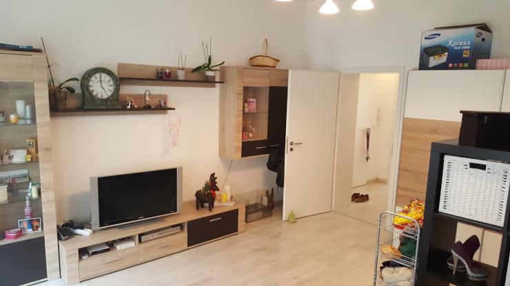 gem tliche 1 raum wohnung mit k che sucht neuen nachmieter. Black Bedroom Furniture Sets. Home Design Ideas