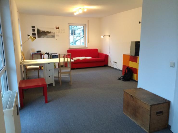 1 zimmerwohnung 3 gehminuten zur hochschule rosenheim 1 zimmer wohnung in rosenheim. Black Bedroom Furniture Sets. Home Design Ideas