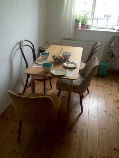 wundersch ne 2 zimmer k che bad sommer im hechtviertel gef llig wohnung in dresden neustadt. Black Bedroom Furniture Sets. Home Design Ideas