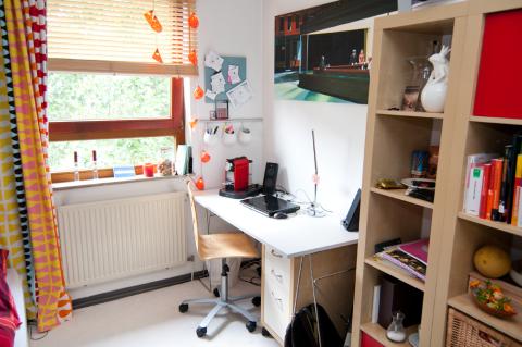 uni bremen studentenwerk apartment room furnished wg zimmer in bremen horn. Black Bedroom Furniture Sets. Home Design Ideas