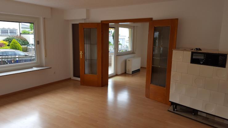 4 zimmer wohnung mit kachelofen und balkon wohnung in ludwigsburg freiberg am neckar. Black Bedroom Furniture Sets. Home Design Ideas